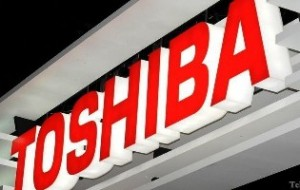 Чистая прибыль компании Toshiba сократилась на 62 процента