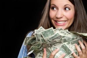 Названы зарплаты у банковских работников