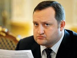 Арбузов: власть Украины не уйдет добровольно в отставку
