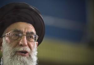 Иранский лидер пригрозил оставить ЕС без газа и нефти