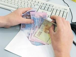 Долг по зарплате растет