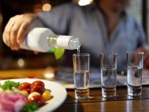 Алкогольные напитки в Украине подорожают минимум в 1,5 раза