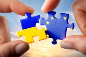 Паззл с флагами Украины и ЕС