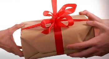 Особенности выбора полезных подарков