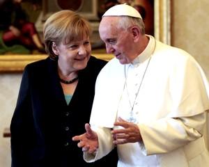 А.Меркель попросила Папу Римского поддержать политику жесткой экономии
