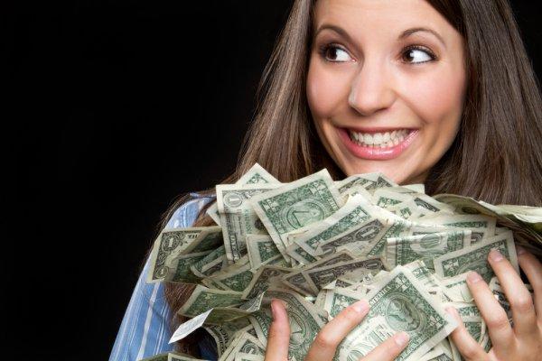 Олигархи платят своим топ-менеджерам сумасшедшие зарплаты