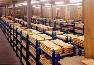 Золотовалютные запасы Украины стабильно сокращаются
