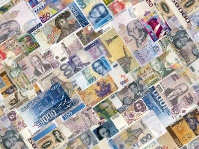 Спрос на иностранную валюту в Украине упал в 30 раз