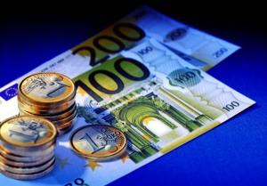 На межбанке Евро упал на 1 гривну