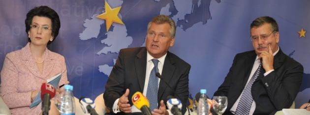 Квасневский придумал лозунг для Украины: «Ни шагу назад, позади Москва!»