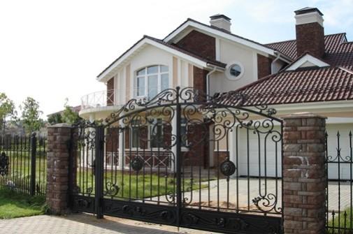 Место рядом с Януковичем стоит $1 миллион