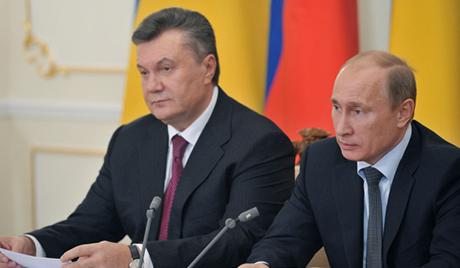 Янукович рассказал, как он выторговал у Путина скидку на газ