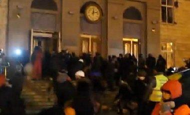 В Черкассах участников Автомайдана избили при попытке штурма ОГА