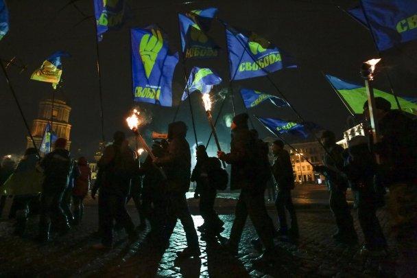 Украинские националисты провели факельное шествие