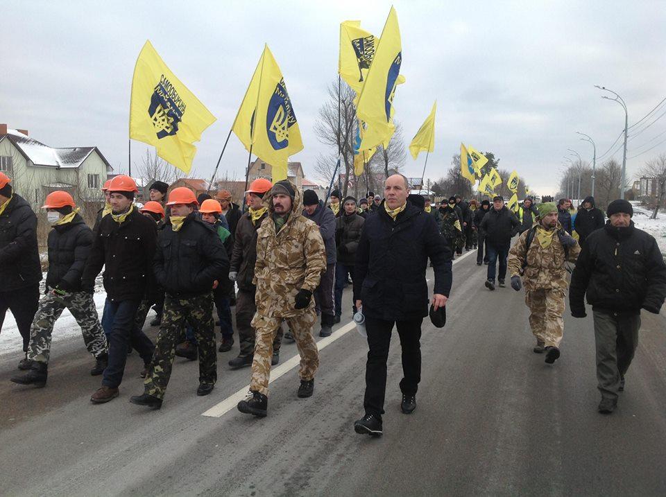 Автомайдан заблокировал Януковича в Межигорье