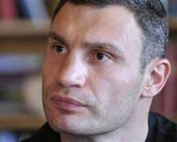 Киев: Кличко и силовики договорились о часе перемирия