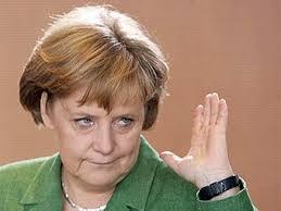 Меркель проведет заседание правительства, несмотря на перелом