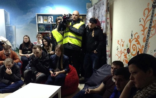 В Донецке титушки напали на кафе, где проходила встреча с активистом