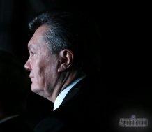 Янукович в сопровождении истребителей приземлился в Ростове-на-Дону