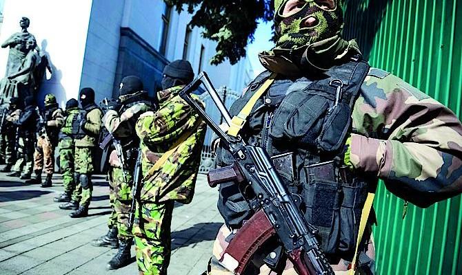 Новые власти начали вооруженную борьбу с «Правым сектором»