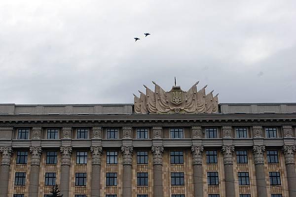 В небе над Харьковом замечено два украинских истребителя