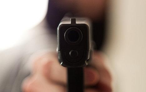 Представители общественных организаций устроили стрельбу в Одессе
