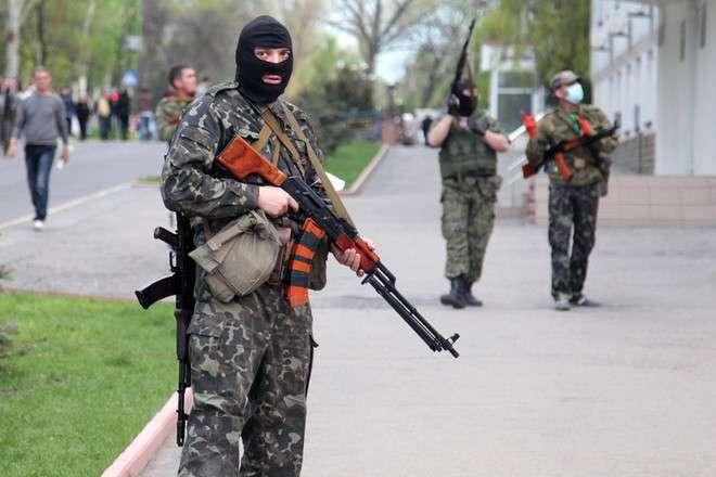 Террористы бегут из Славянска, пытаясь прорвать кольцо силовиков