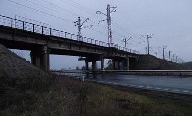 Неизвестные взорвали мост в Донецкой области