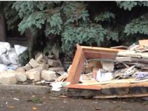 В Торезе из гранатомета взорвали здание СБУ: опубликовано видео