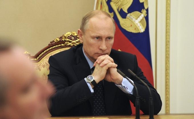 Путин приводит свои войска в полную боевую готовность