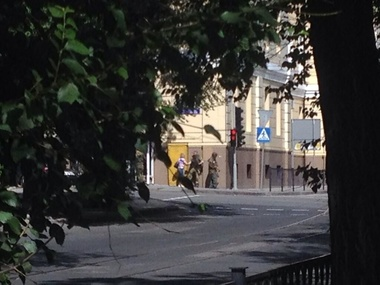 МВД: В Донецке террористы штурмуют здание МВД, один милиционер погиб