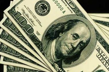 В НБУ обяснили, почему прыгнул курс доллара