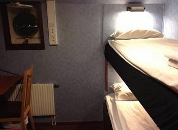 Арендодатель оштрафован за сдачу комнаты, в которую можно войти только на четвереньках