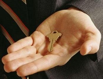 Британских агентов по аренде жилье обвиняют в необоснованном обогащении