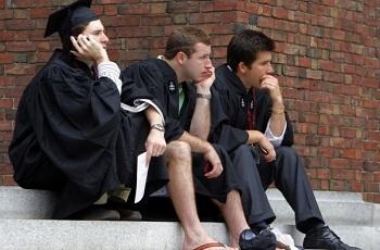 Студенты Великобритании отказываются платить £50 000 за обучение