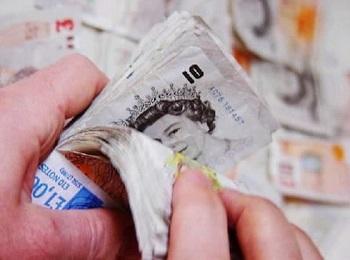 В Великобритании наблюдается рекордное с 2009 года снижение зарплат