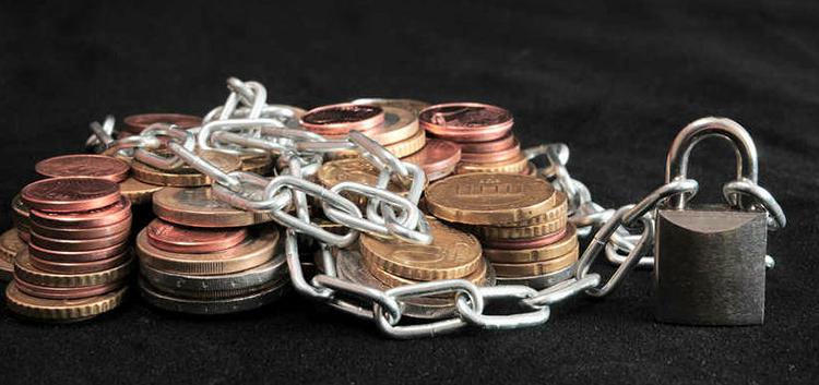 Два украинских банка признаны банкротами