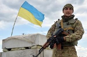 Украинских военных снова одели в некачественное обмундирование