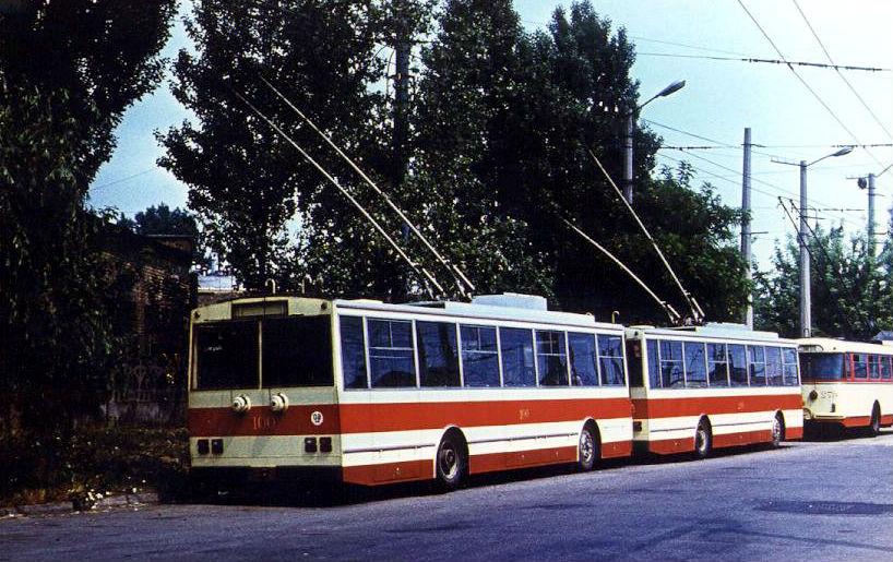 Водители крымских троллейбусов отказались выходить на линию