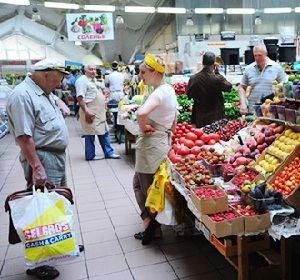 Эксперты подсчитывают, когда в стране станет дешевле еда