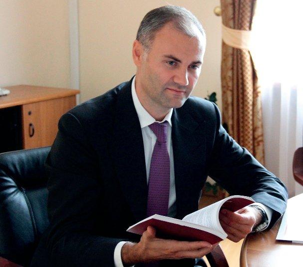 Экс-министр финансов «нашелся» в Испании