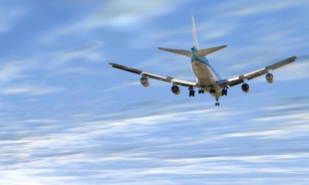 Порошенко раскритиковал ситуацию на рынке авиаперевозок в Украине