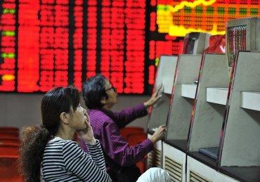Паника на рынках Китая может оказать большее влияние на мировую экономику, чем Греция