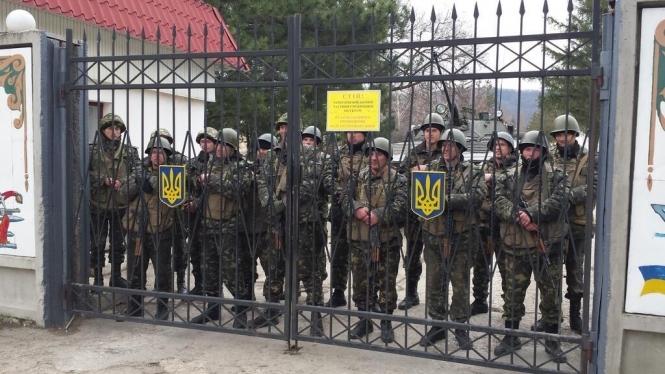 Россия опять открещивается от своих военных в Украине