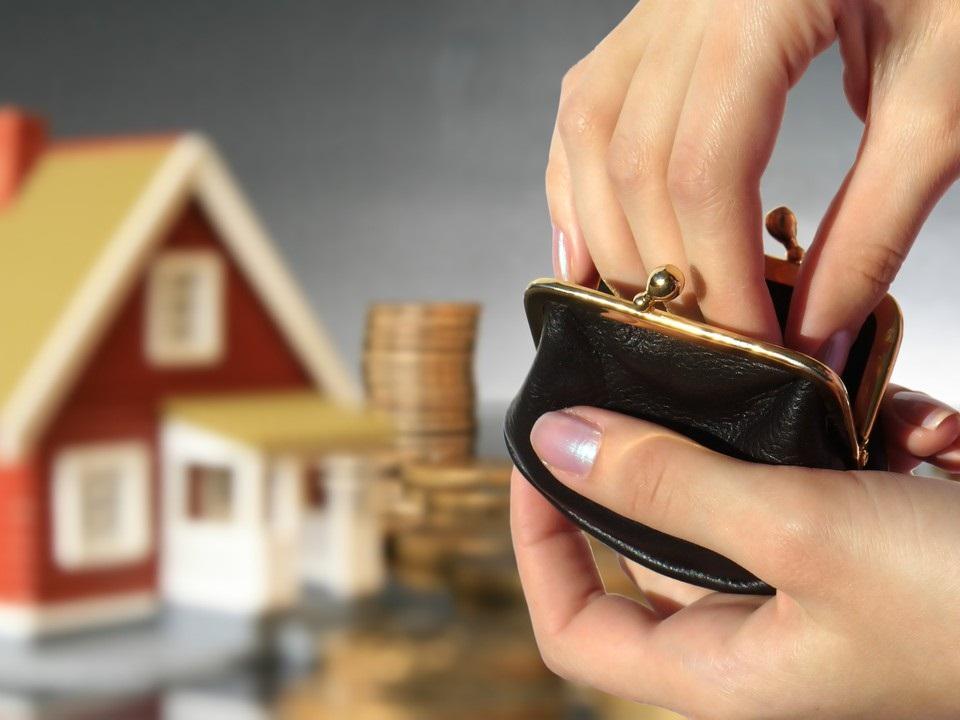 Украинцев заставят платить за недвижимость