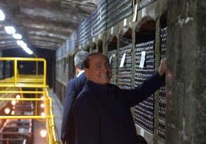 Путин с Берлускони выпили коллекционное вино