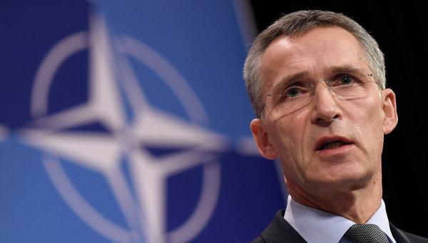 Столтенберг: РФ дестабилизирует ситуацию в Сирии