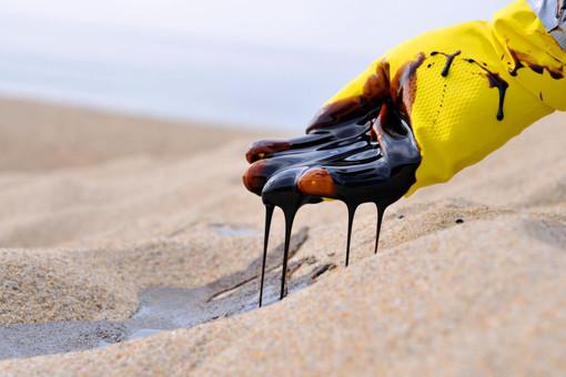 Из-за Китая нефть опять подешевела