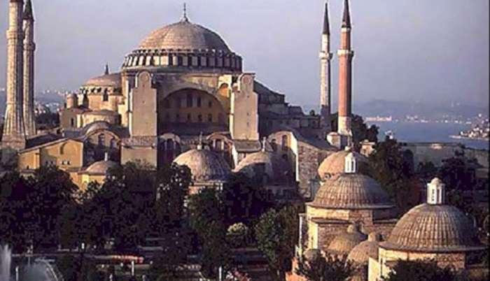Российские коммунисты предлагают забрать турецкий собор