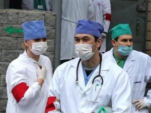 Рада требует повысить зарплаты медицинским работникам